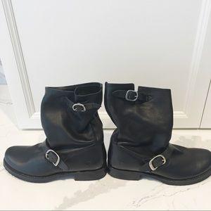 NWOT Frye Women's Veronica Short Boot